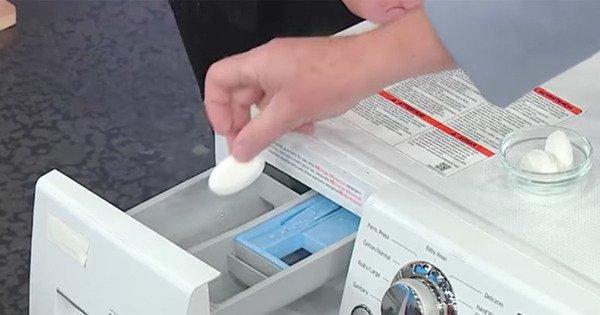 А Вы знаете, что стиральная машинка полна бактерий? Эту проблему можно решить с помощью одного ингредиента!