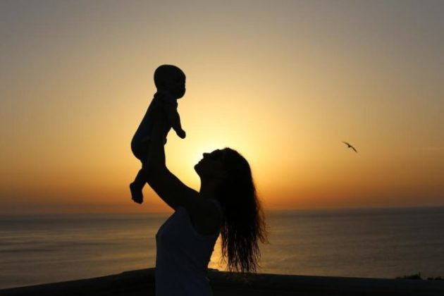 Эта сильнейшая молитва позволит каждой матери защитить своего ребёнка от зла