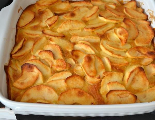 Очень быстрый песочный пирог с яблоками. Всё самое вкусное - просто!