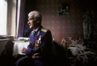 Умер герой, спасший в 1983 году мир от ядерной катастрофы. Офицер Петров скончался в нищете и забвении