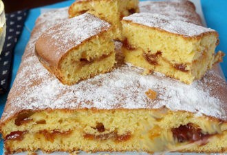 Пирог с вареньем на скорую руку. Очень вкусно!