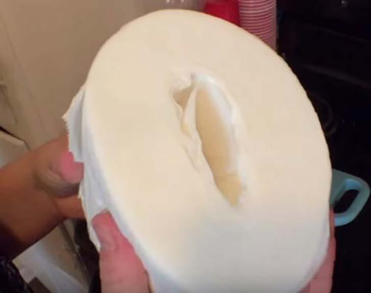 Женщина погрузила туалетную бумагу в кастрюлю с кипящей водой. Причина не оставит Вас равнодушными