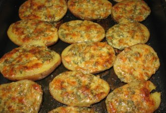 Картошка в духовке с чесночным маслом