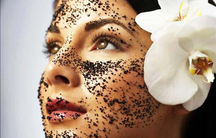 Эта натуральная маска эффективно стирает возраст с лица! Рекомендуем!
