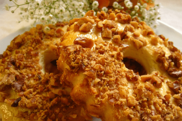 Выпечка на скорую руку: рассыпчатые песочные кольца с орехами