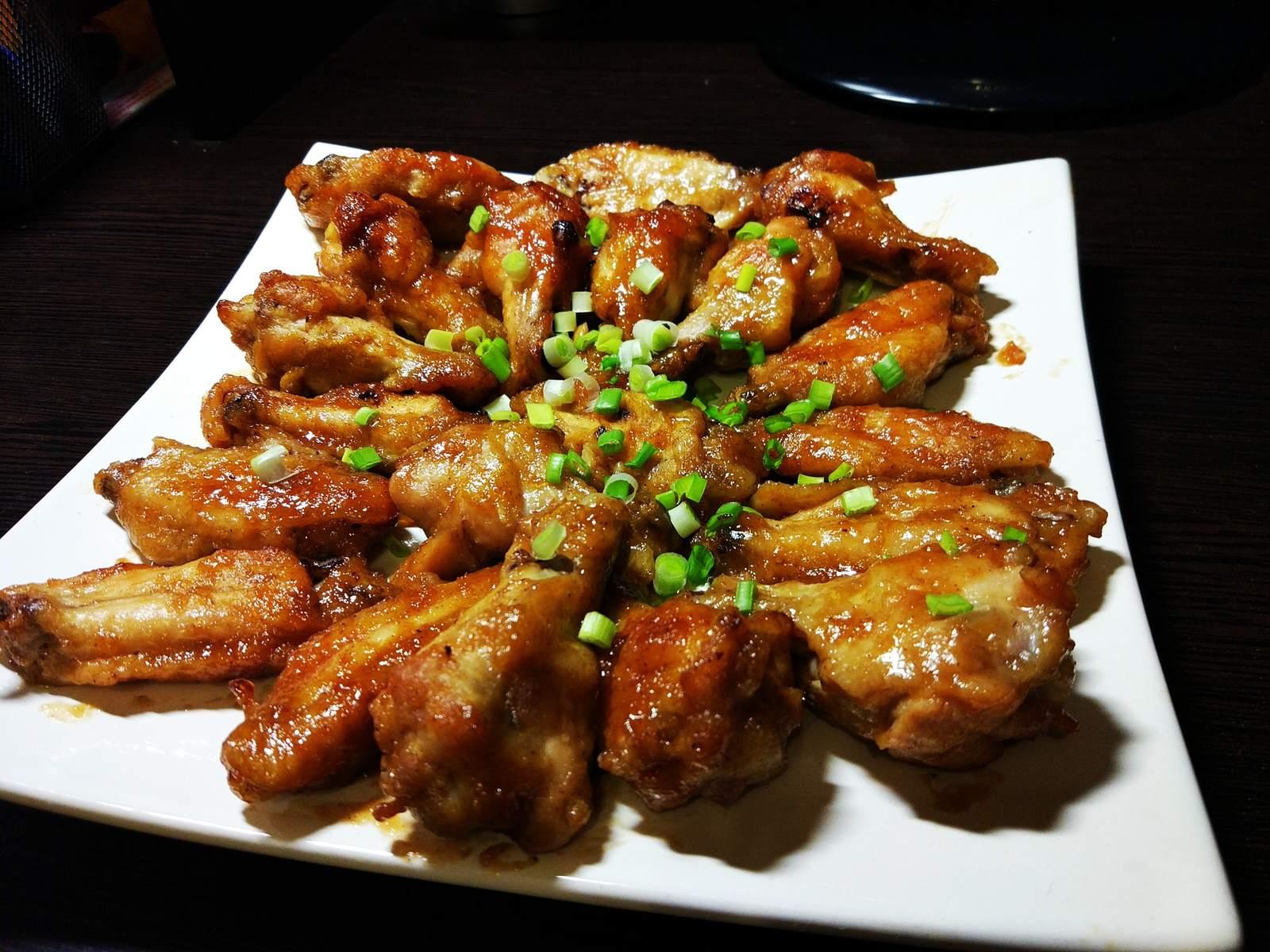 Рецепт вкусных и сочных куриных крылышек