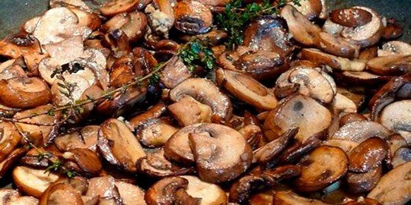 Теперь жарю грибы только по этому рецепту! Идеальный вкус!Все восхищаются этим блюдом!