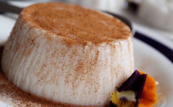 Вкуснейший десерт из сметаны и желатина